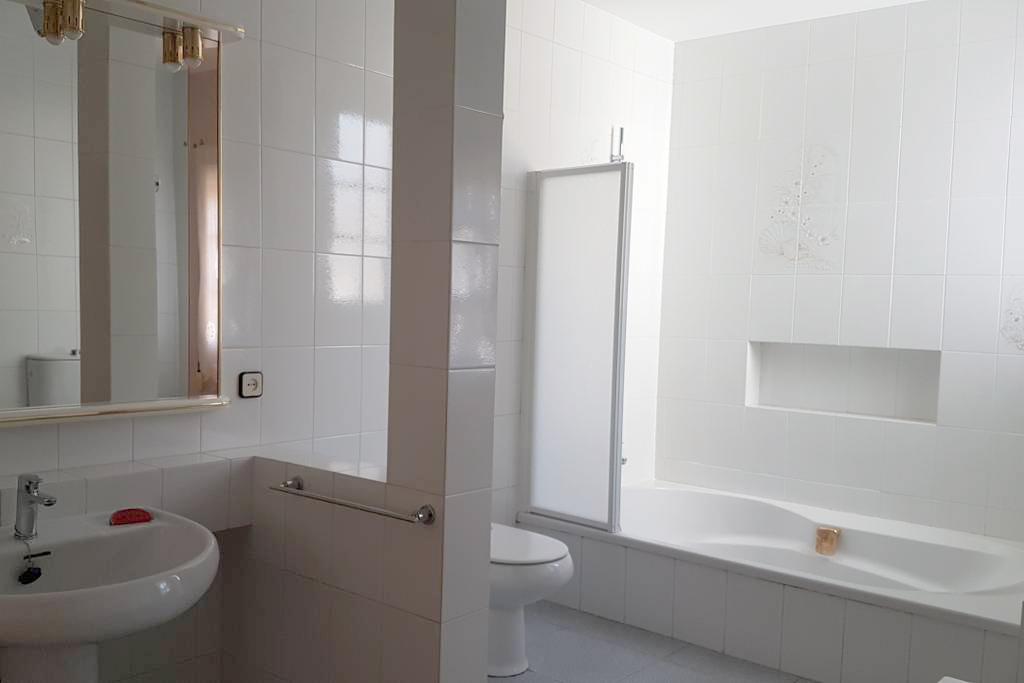 Lavabo Cala Providencia Alojamiento Rural Guiamets Tarragona
