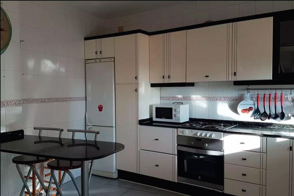 Cocina-cala-providencia-alojamiento-rural-guiamets-tarragona-priorat